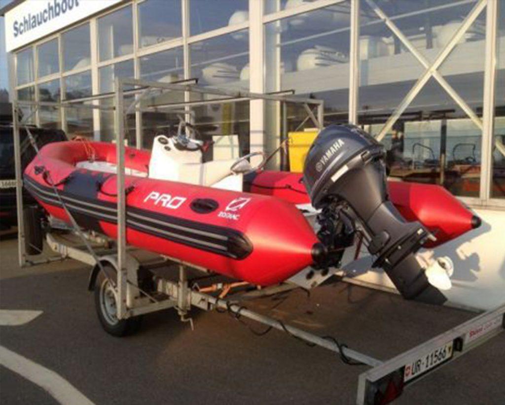 Ein Motorboot des Regionalverband Zentralschweiz Segeln